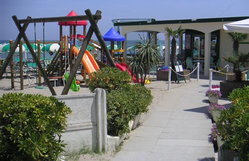 Stabilimento balneare bagno riva verde via della fontana n 68 48020 punta marina ravenna - Bagno bologna punta marina ...